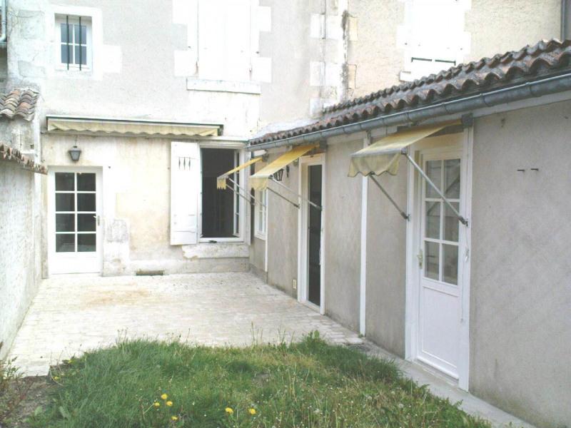 Location maison / villa Cognac 855€ CC - Photo 1