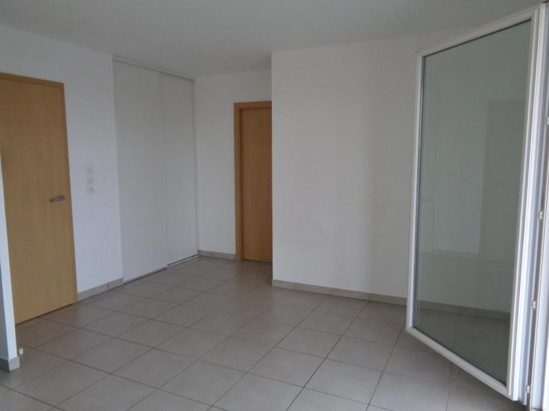 Location appartement Meyzieu 674€ CC - Photo 3