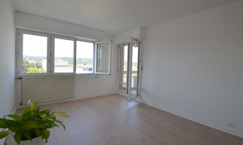 Revenda apartamento Croissy-sur-seine 280000€ - Fotografia 1
