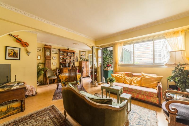 Sale apartment Paris 15ème 750000€ - Picture 11