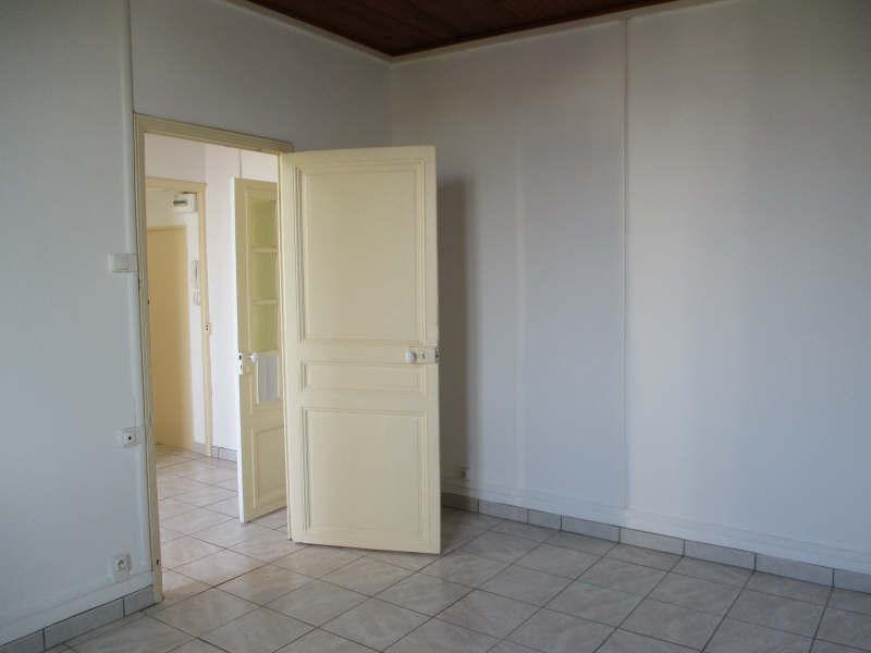 Rental apartment Salon de provence 530€ CC - Picture 5