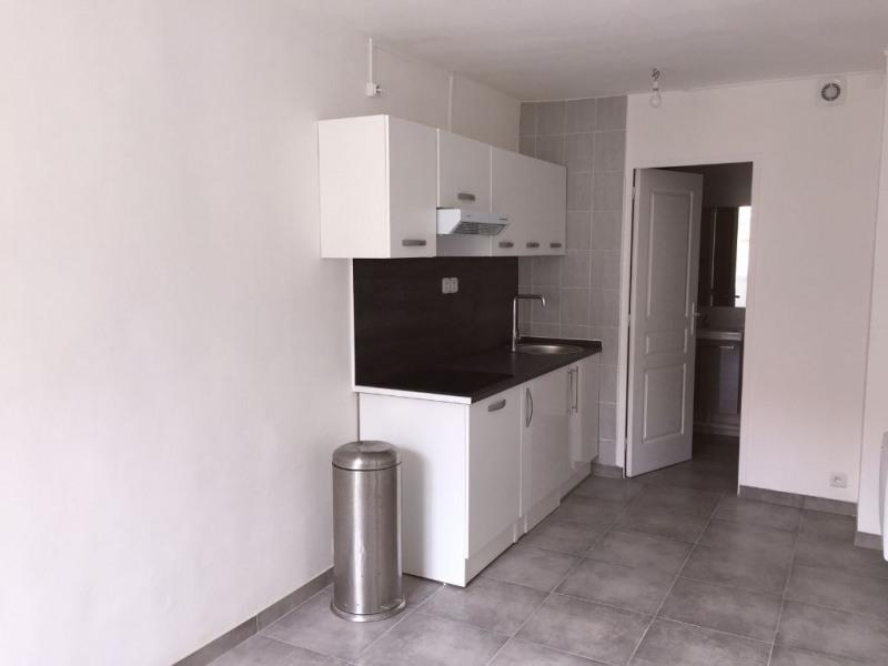 Location appartement Champlan 595€ CC - Photo 1