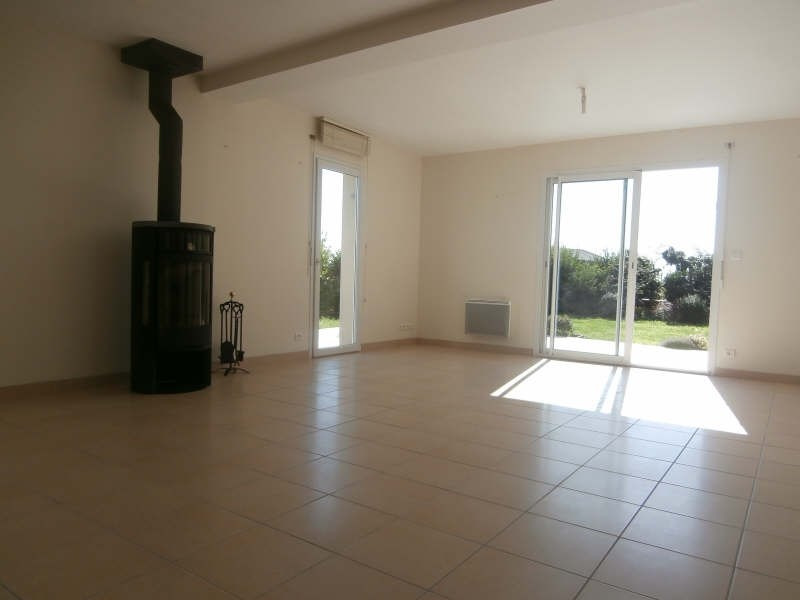 Location maison / villa Kerlaz 750€ CC - Photo 3