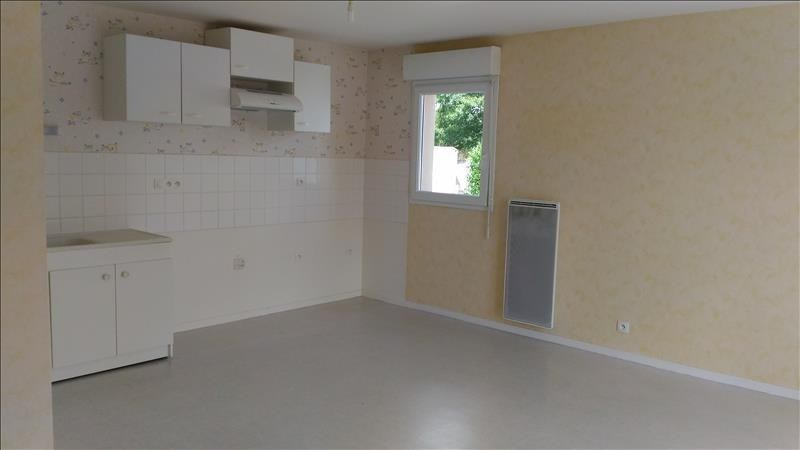Location appartement Janze 533€ CC - Photo 1