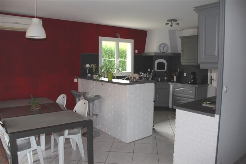 Sale house / villa La tour du pin 232 000€ - Picture 2