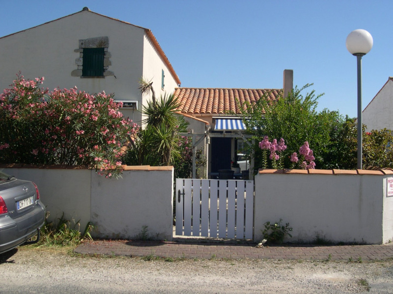 Sale house / villa Saint-denis-d'oleron 248 000€ - Picture 1
