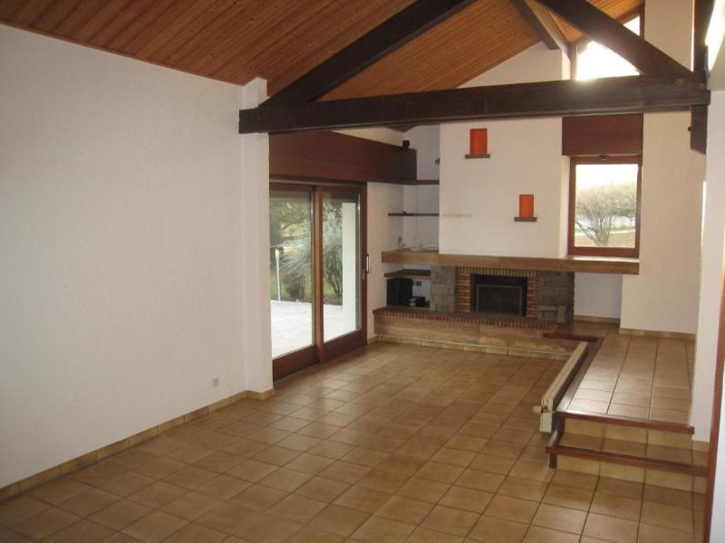 Location maison / villa Arenthon 1 950€ CC - Photo 3