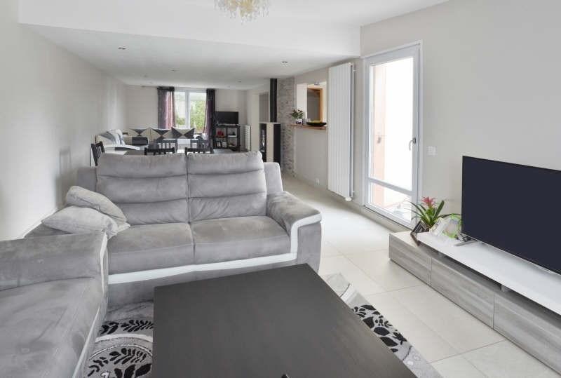 Sale house / villa Lesigny 330000€ - Picture 2