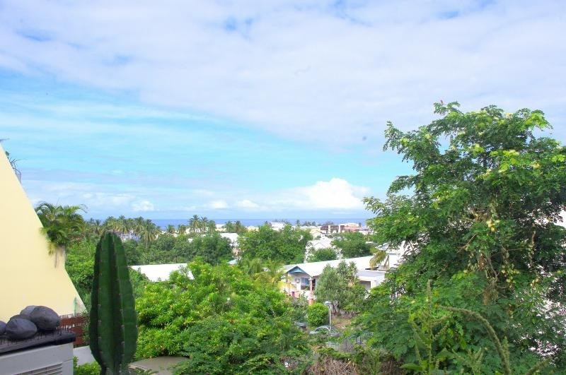 Investment property apartment St gilles les bains 168 000€ - Picture 1