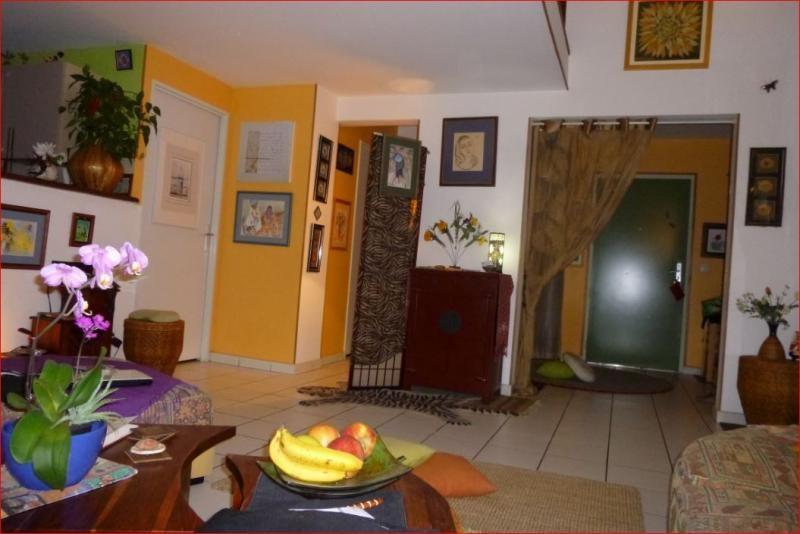 Venta  apartamento Le tampon 174000€ - Fotografía 4