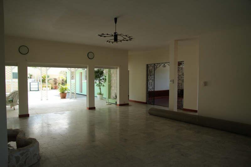 Deluxe sale house / villa St claude 698300€ - Picture 3
