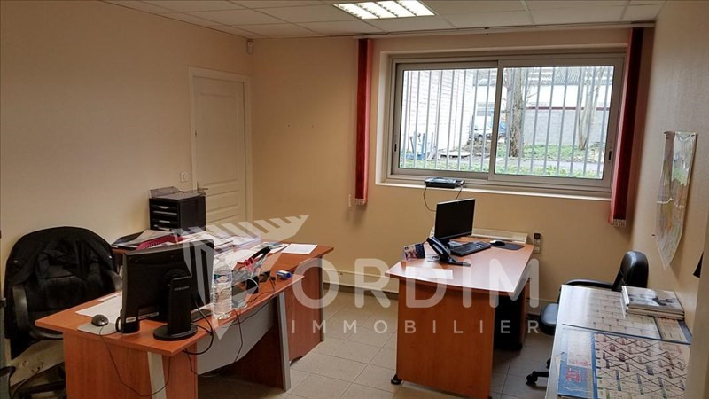 Location local commercial Auxerre 2179€ HC - Photo 6