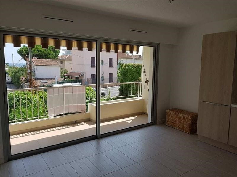 Rental apartment Le golfe juan 690€ CC - Picture 3