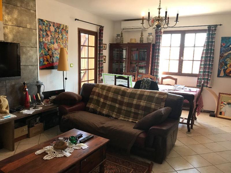 Sale house / villa Le cailar 265600€ - Picture 2
