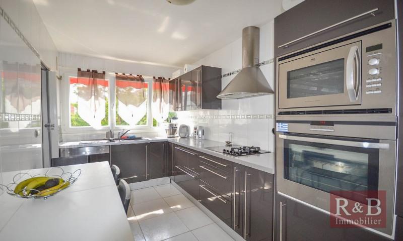 Sale apartment Plaisir 202000€ - Picture 3