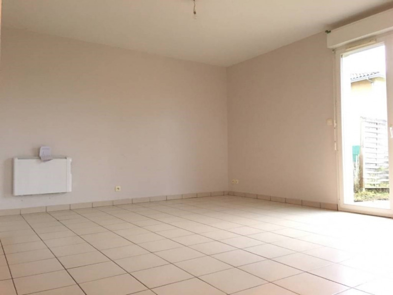 Location maison / villa Saint-andre-de-cubzac 722€ CC - Photo 2