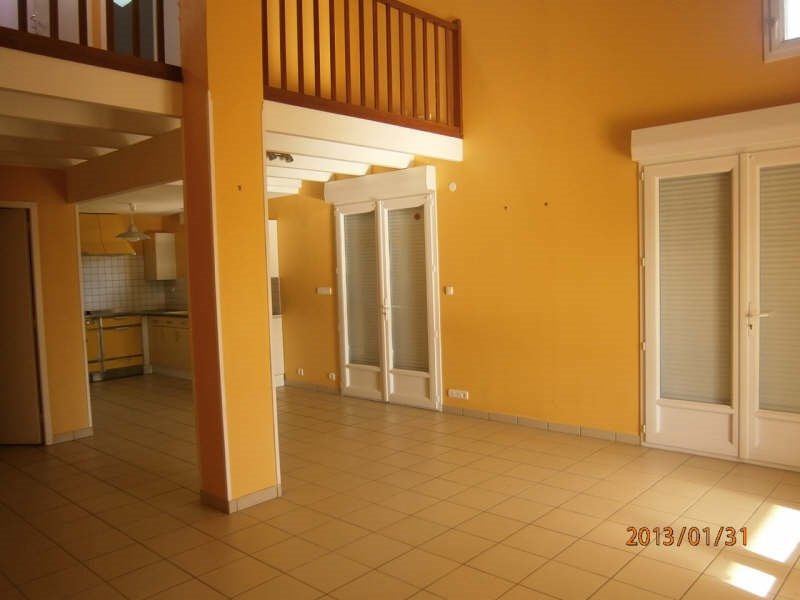 Location maison / villa St romain la virvee 681€ CC - Photo 2