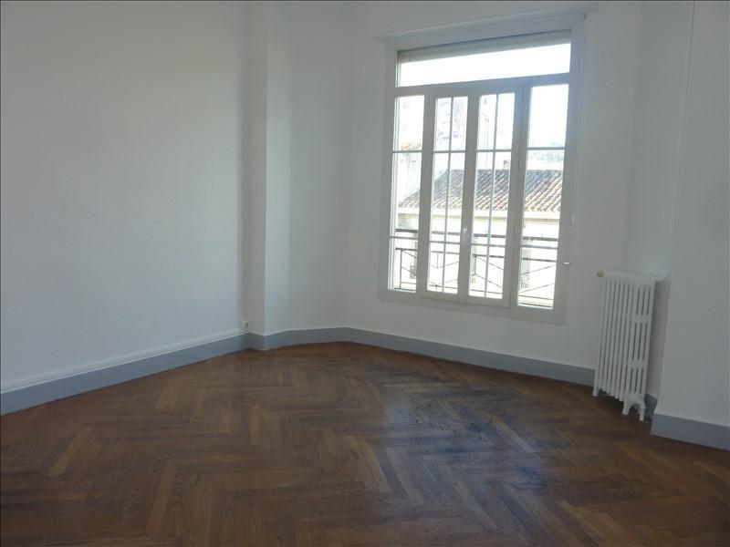 Location appartement Marseille 6ème 905€ CC - Photo 8