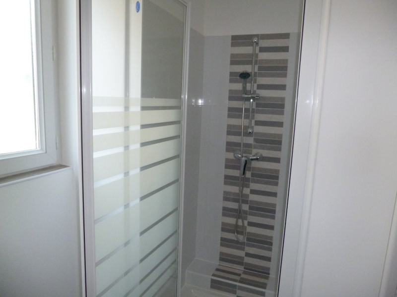 Location appartement Nimes 650€ CC - Photo 6