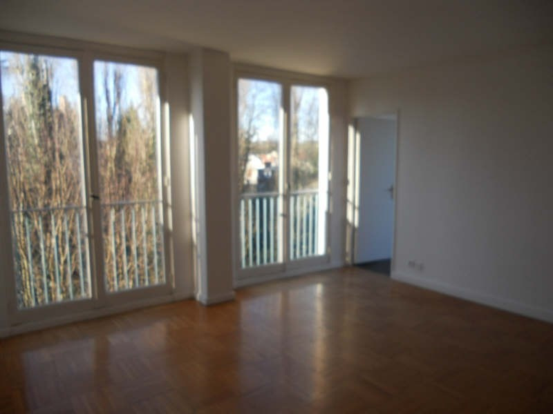 Rental apartment St brice sous foret 900€ CC - Picture 1