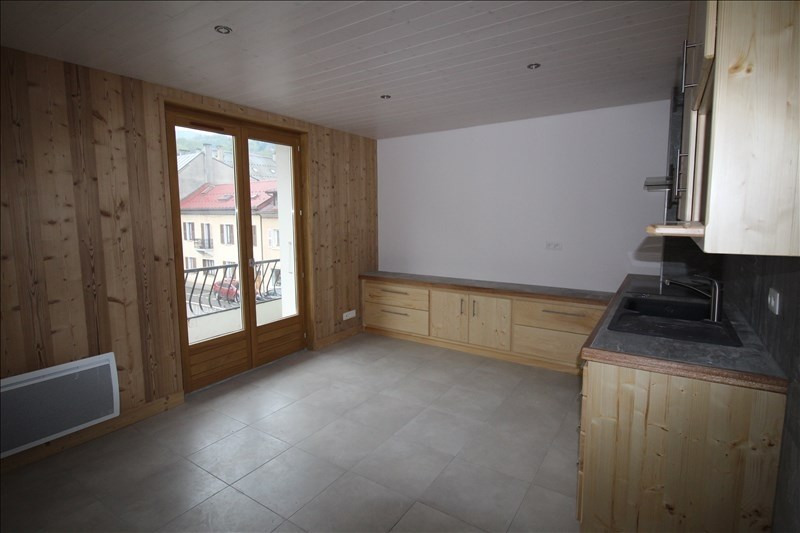 Rental apartment Sallanches 500€ CC - Picture 2
