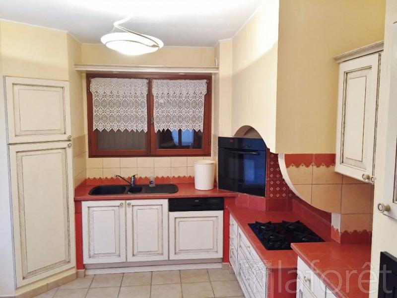 Sale house / villa L isle d abeau 339000€ - Picture 5