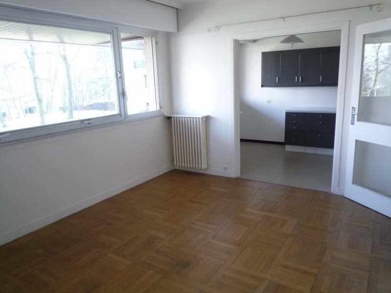 Rental apartment Garches 680€ CC - Picture 1