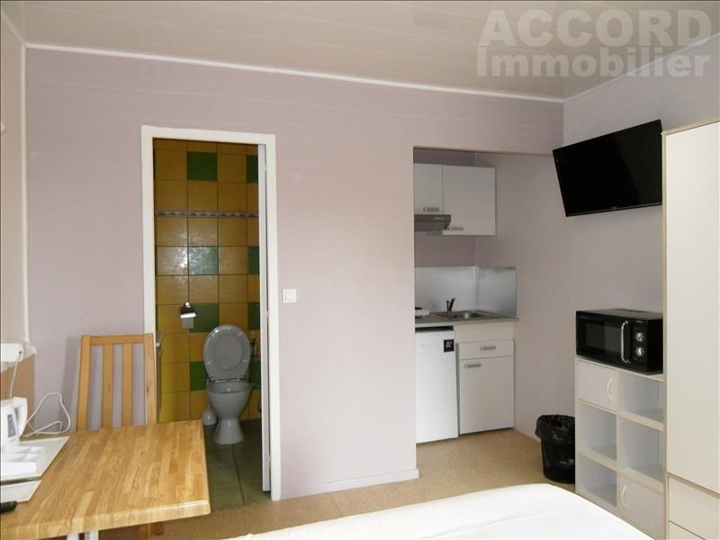 Location appartement Sainte savine 370€ CC - Photo 3