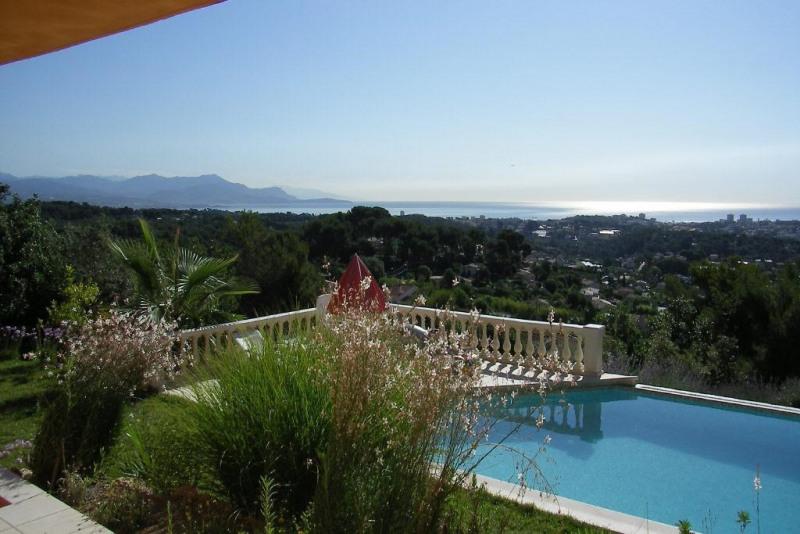Deluxe sale house / villa Le golfe juan 1580000€ - Picture 2