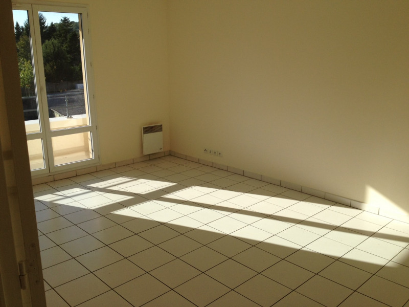 Rental apartment Montlhéry 860€ CC - Picture 2