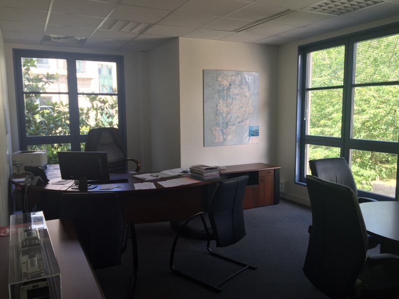 Location Bureau Chessy 0