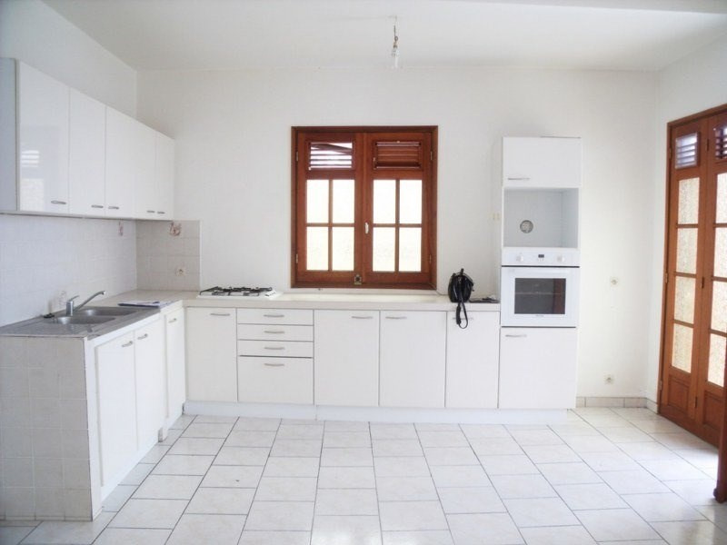 Location local commercial Basse terre 800€ CC - Photo 4