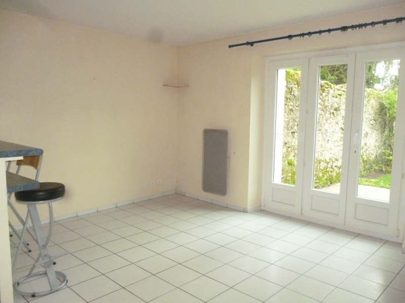 Location appartement Pecqueuse 590€ CC - Photo 1