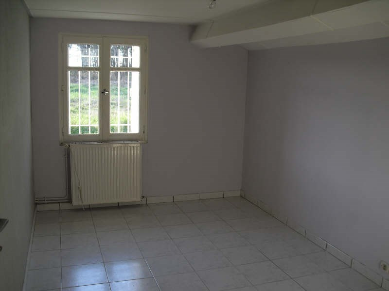 Rental house / villa St christoly de blaye 530€ CC - Picture 4