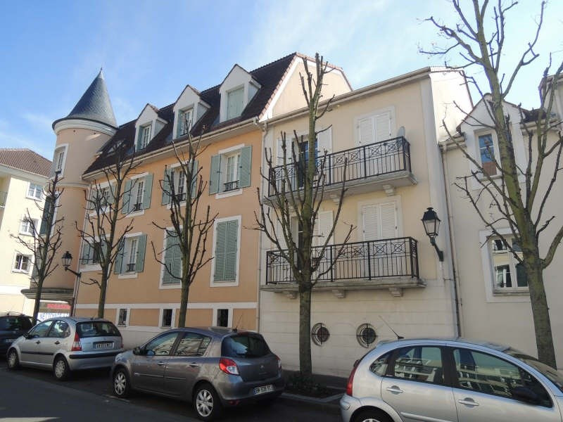 Location appartement Carrieres sous poissy 670€ CC - Photo 1