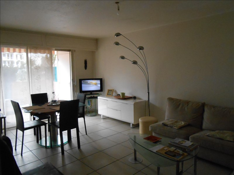 Sale apartment Le golfe juan 223 000€ - Picture 1