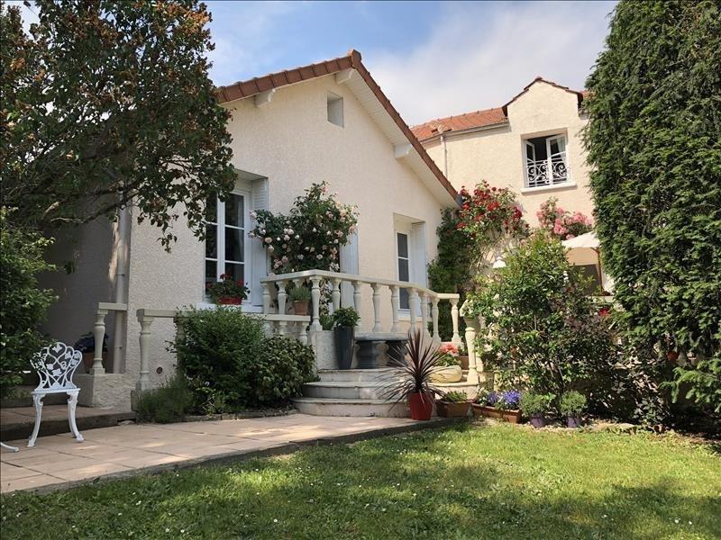 Sale house / villa Orgeval 700000€ - Picture 2