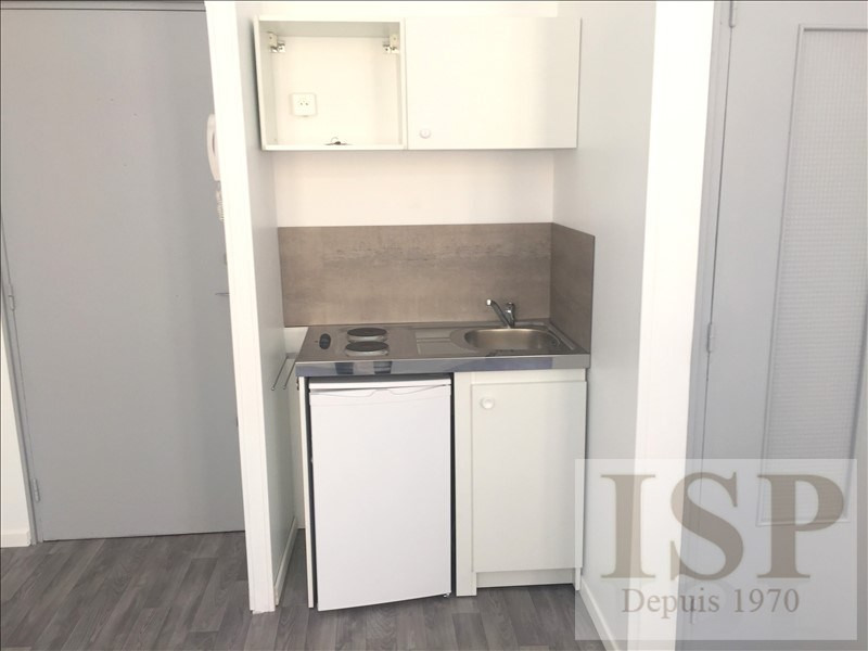 Location appartement Aix en provence 565€ CC - Photo 3