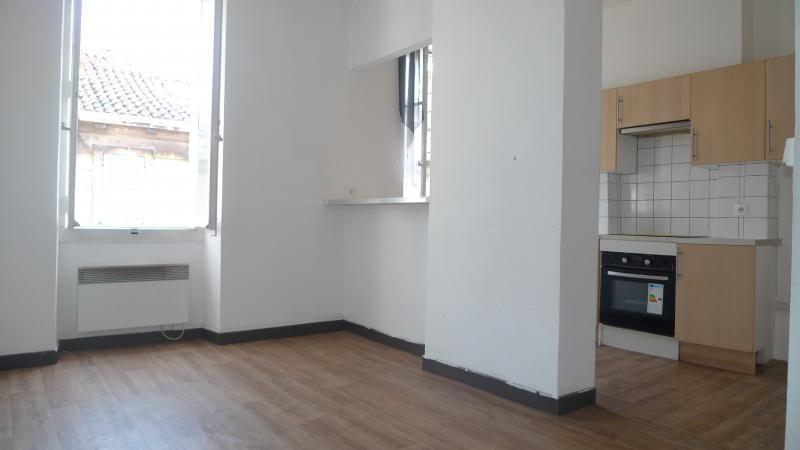 Location appartement Marseille 3ème 550€ CC - Photo 3
