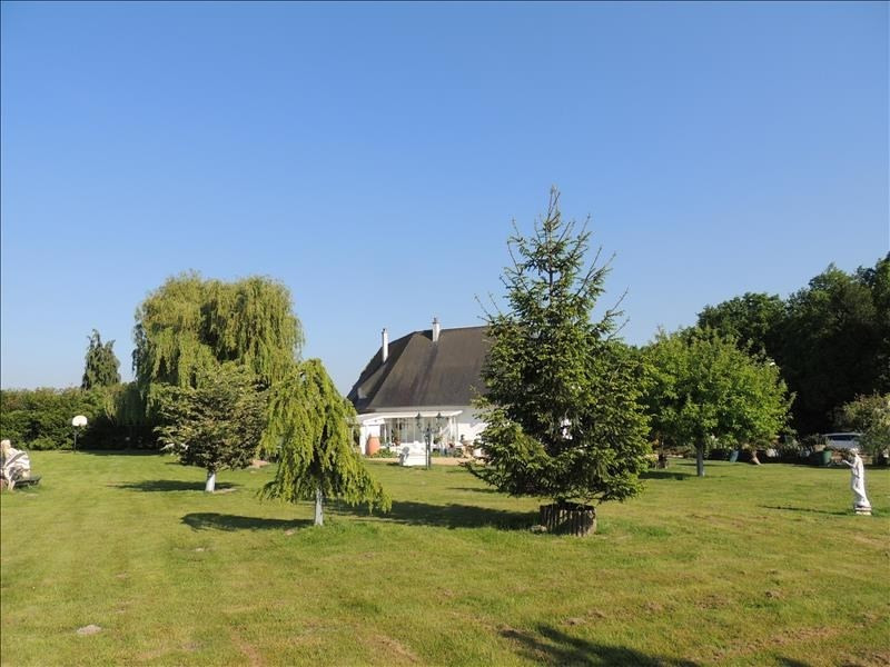 Deluxe sale house / villa Amblainville 624000€ - Picture 2