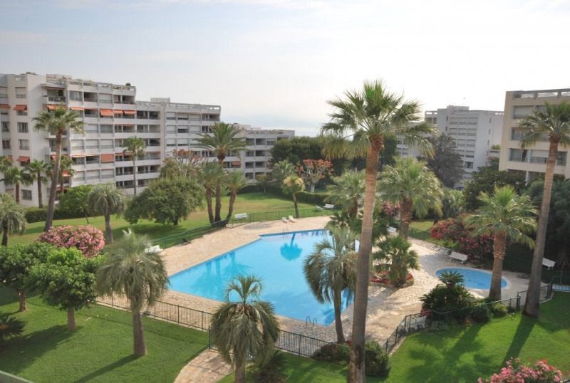 Sale apartment Antibes 315 000€ - Picture 1