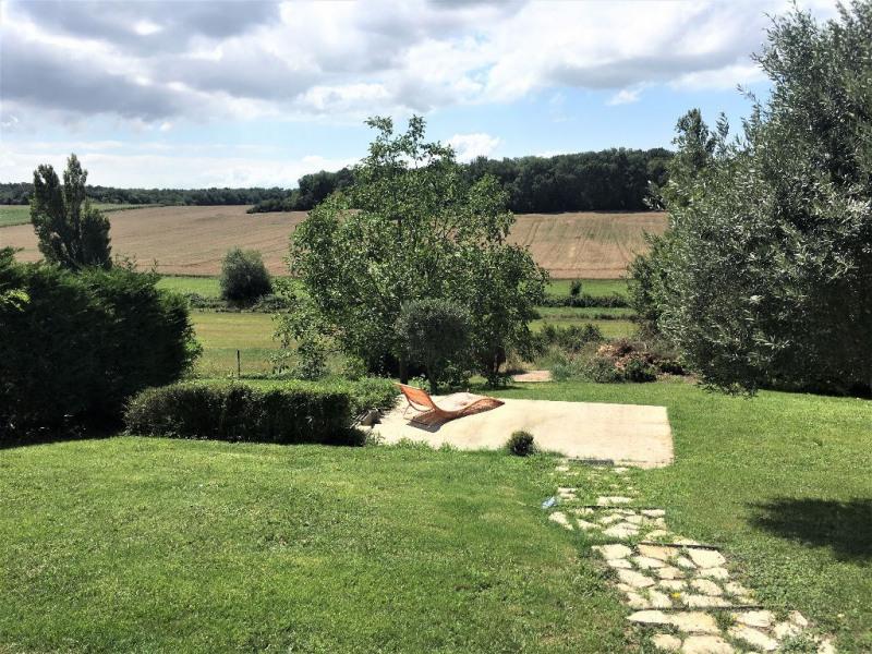 Sale house / villa Breuillet 520800€ - Picture 2