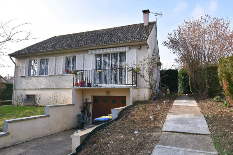 Sale house / villa Chambly 299000€ - Picture 1