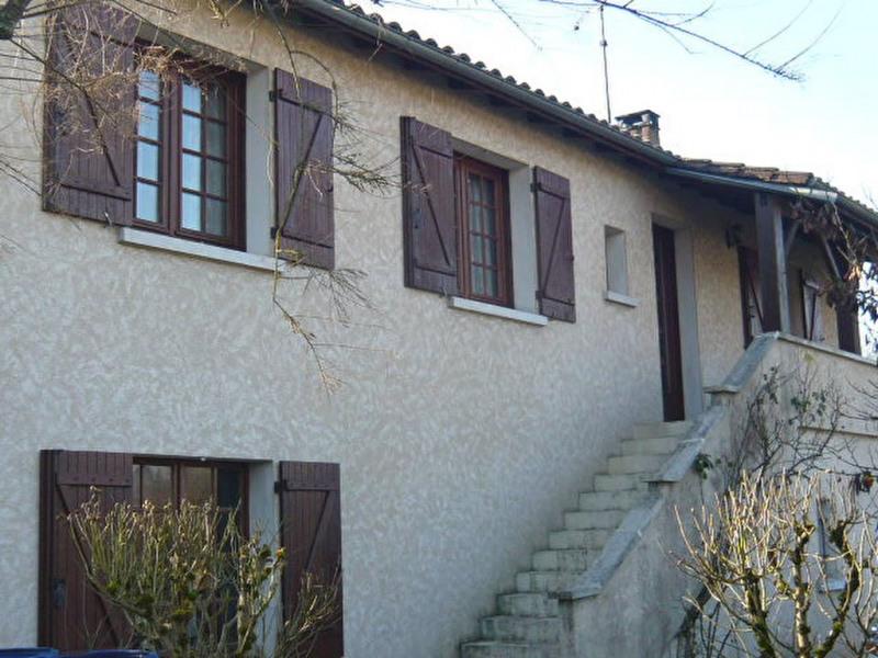 Rental house / villa Chateau l eveque 735€ CC - Picture 1