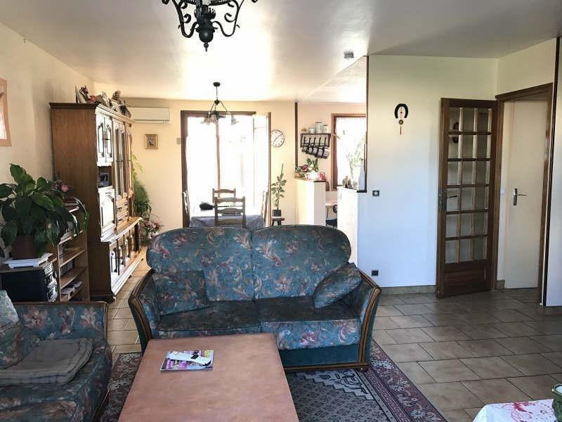 Sale house / villa Chars 231800€ - Picture 4