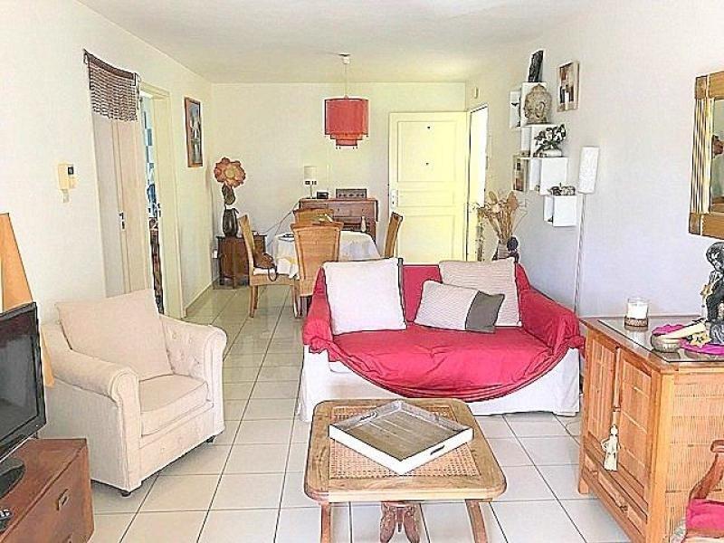 Venta  apartamento St gilles les bains 246750€ - Fotografía 2