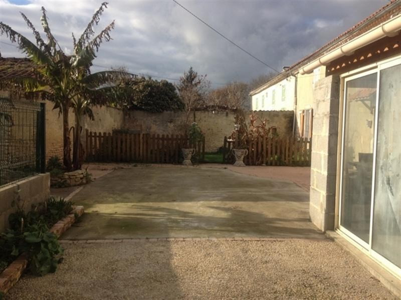 Sale house / villa St jean d angely 107000€ - Picture 6