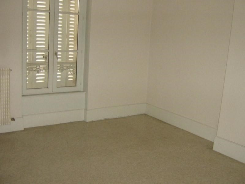 Location appartement Roanne 332€ CC - Photo 2