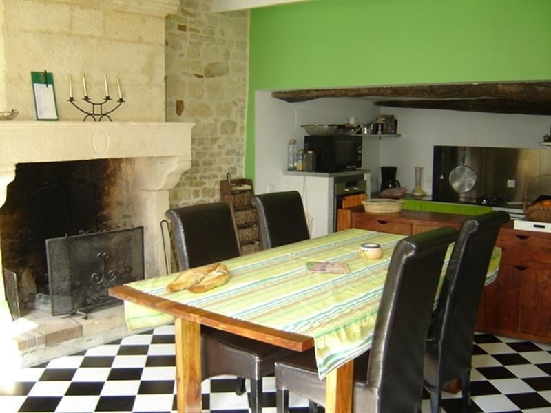 Sale house / villa St jean d angely 209000€ - Picture 3