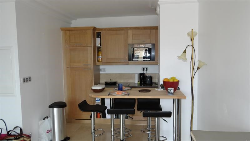 Location vacances appartement Cavalaire 900€ - Photo 3
